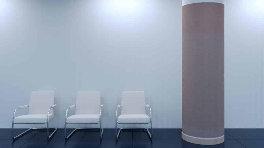 Cienki, 3mm panel akustyczny PET owinięty wokół kolumny nośnej w budynku.